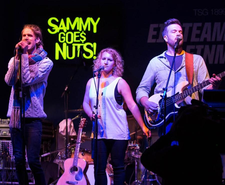 Samy Goes Nuts beim Past X-Mas Rock 2015